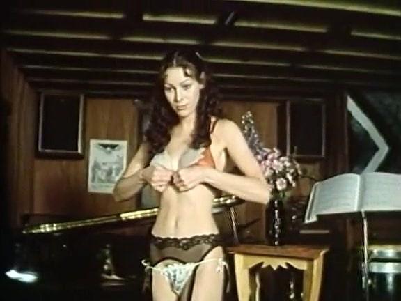 Annette Haven, Lisa De Leeuw, Paul Thomas In Classical Hardcore Website